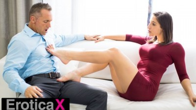 Abella Danger Who Has Sex In Partnership - EroticaX