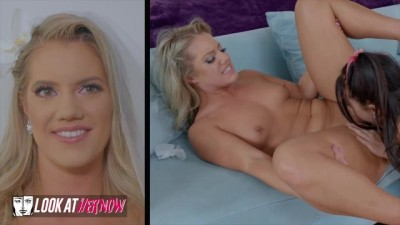 Two Hot Girl Play One Dildo!!