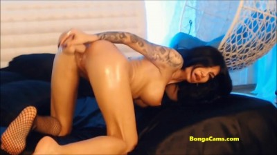 BongaCams Brunette Loves Dildo and Shows the best Squirting