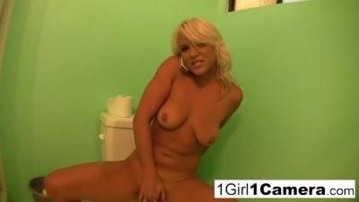 Sexy Veronika Raquel is really Horny