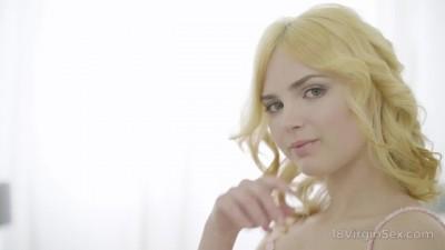 18 Virgin Sex - Beautiful Blonde Girlfriend wants my Cock