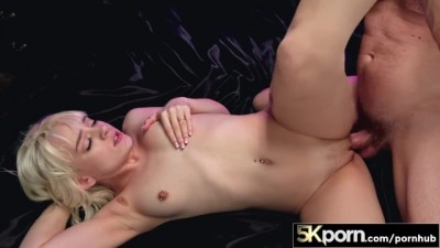 5KPorn - Tiny Blonde Slutty Naomi Nash Adores Huge Cock and Hard Fucking