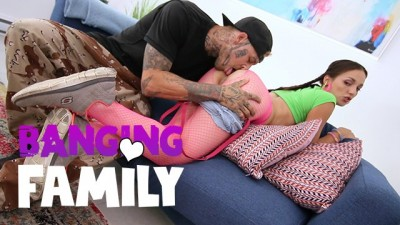 Banging Family - Big Cock Destroy her Pussy