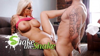 Shake the Snake - Busty Blonde Mılf Big Juicy Big Tits Marathon