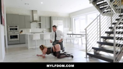 Hot Asian Mom Gets  Pussy Dominantly Slammed