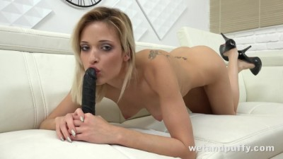 Blonde Babe Girl Orgasms with a Black Toys