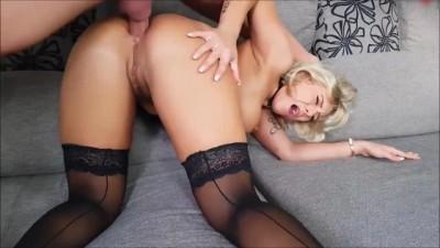 Big tits amateur blonde milf hard anal fucking