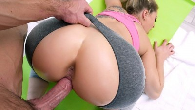 PAWG Zoey Monroe Gets Plowed By Trainer
