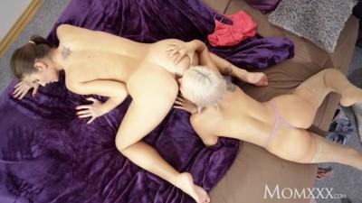 Jenifer Jane taught pussy licking by stepmoms lesbian sister