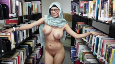 MIA KHALIFA - Sexy Arab Chick in the Library