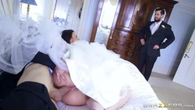 Cheating bride Simony Diamond Loves Anal Big Dick