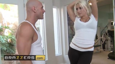 Cute blonde Sammie Spades Gets Stretched Out By Johnny Sins