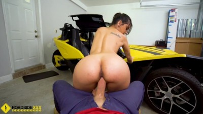 Roadside XXX - Penelope Sits Her Tight Pussy Down On Mechanics Thick Big Dick