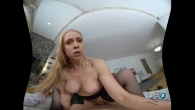 Milf VR - Sarah Vandella D for Vandella