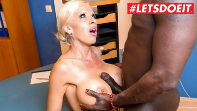 Big Titted Secretary Secret Masturbating And Fucked By Big Black Cock
