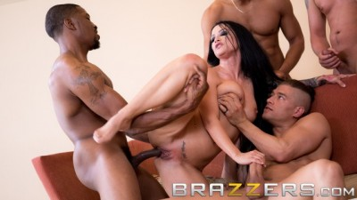 BRAZZERS HOUSE SEASON 3 EP2 Lena Paul Hosts a Free for all Sex