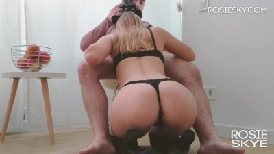 Amateur Girl Hungry for Dicks Blowjob