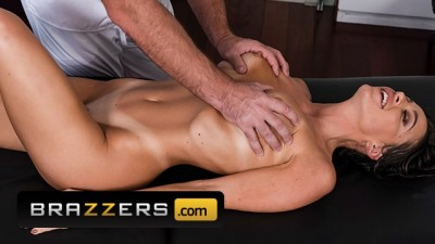 Big Tits Abigail Mac Gets Full Service Massage