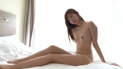 Akari Tsumugi = Em Gái Mẫu ảnh