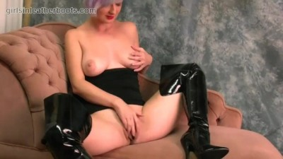 Teen with Big Natural Tits Fingers Big Pussy Flaps in Slutty Leather Boots