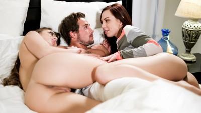 Erotica X - Midnight Threeway