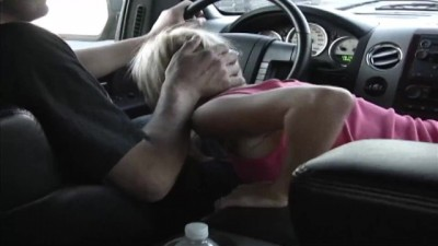 Tight Pussy Big Tits Blonde College Slut Starts with a Blowjob in the Car