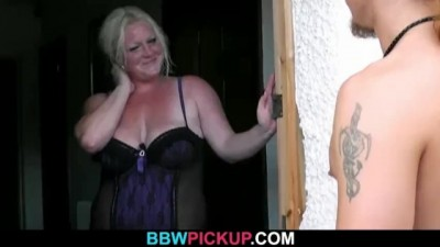 Cock-hungry Plump Blonde Rides his Meat