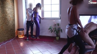 SISTER S BOYFRIEND SURPRISED! SHE GET HORNY WHILE WATCHING ME PEGGING !!!