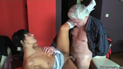 Sexy Latina can't Control her Urges and Fucks old Man in Bar
