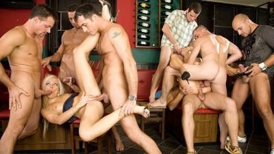 6 Guys Gangbanging the Barmaids