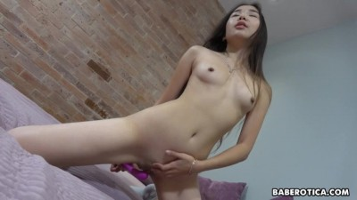 Solo Asian Darling, Lina Lee Is Masturbating