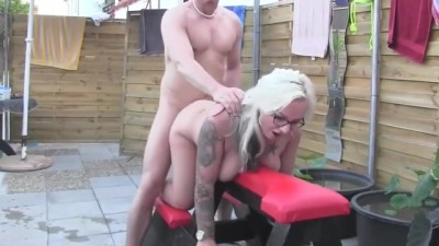Curvy Mature Amateur With Glasses Fucks Guy At Pool Party