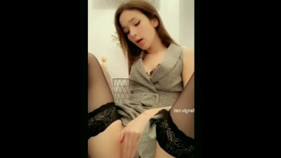 Asian Chick Is Hot On Camera