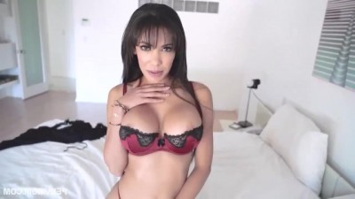 Mature Woman Is So Horny