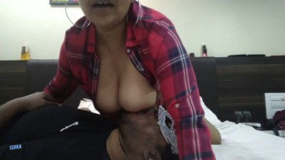 Indian Woman Entering The New Year With Rough Sex - ishka s